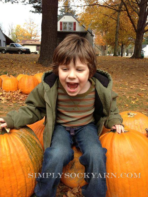 PumpkinPicking2012_2 1000px
