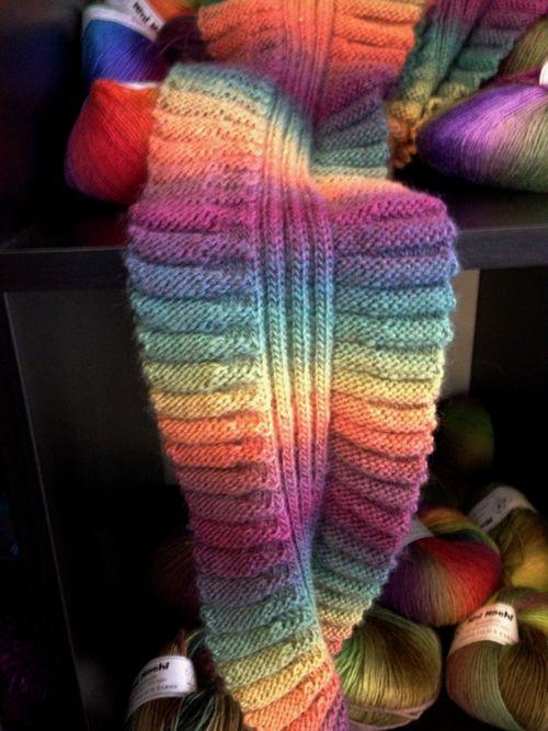 MiniMochiScarf