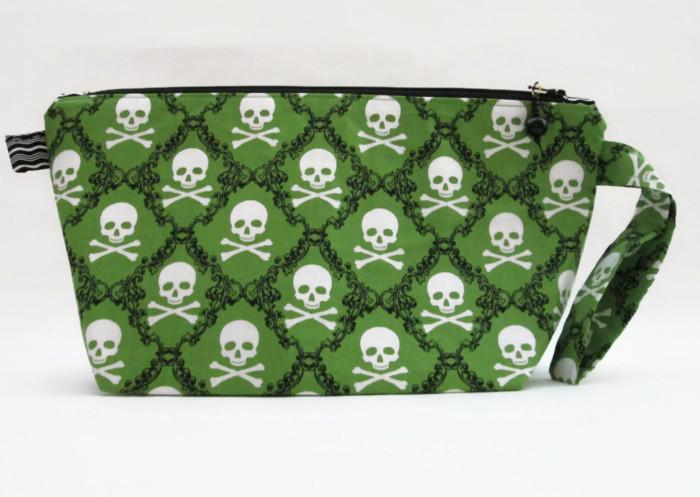 Blb-skulls and crossbones-