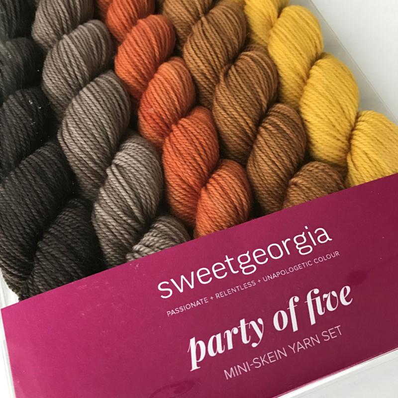 Partyof5_GolddiggerBoxed